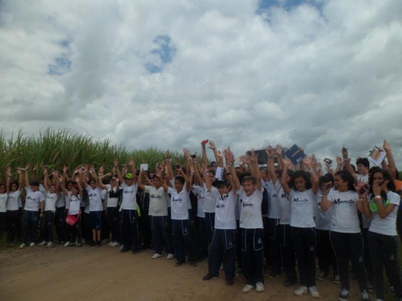 Alunos do Colégio Marista Pio X visitam o Açúcar Alegre