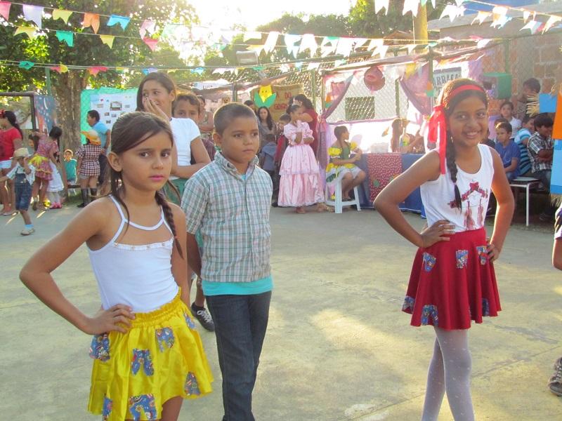 Clima de Festa Junina invade a Escola Maria Lúcia no Açúcar Alegre