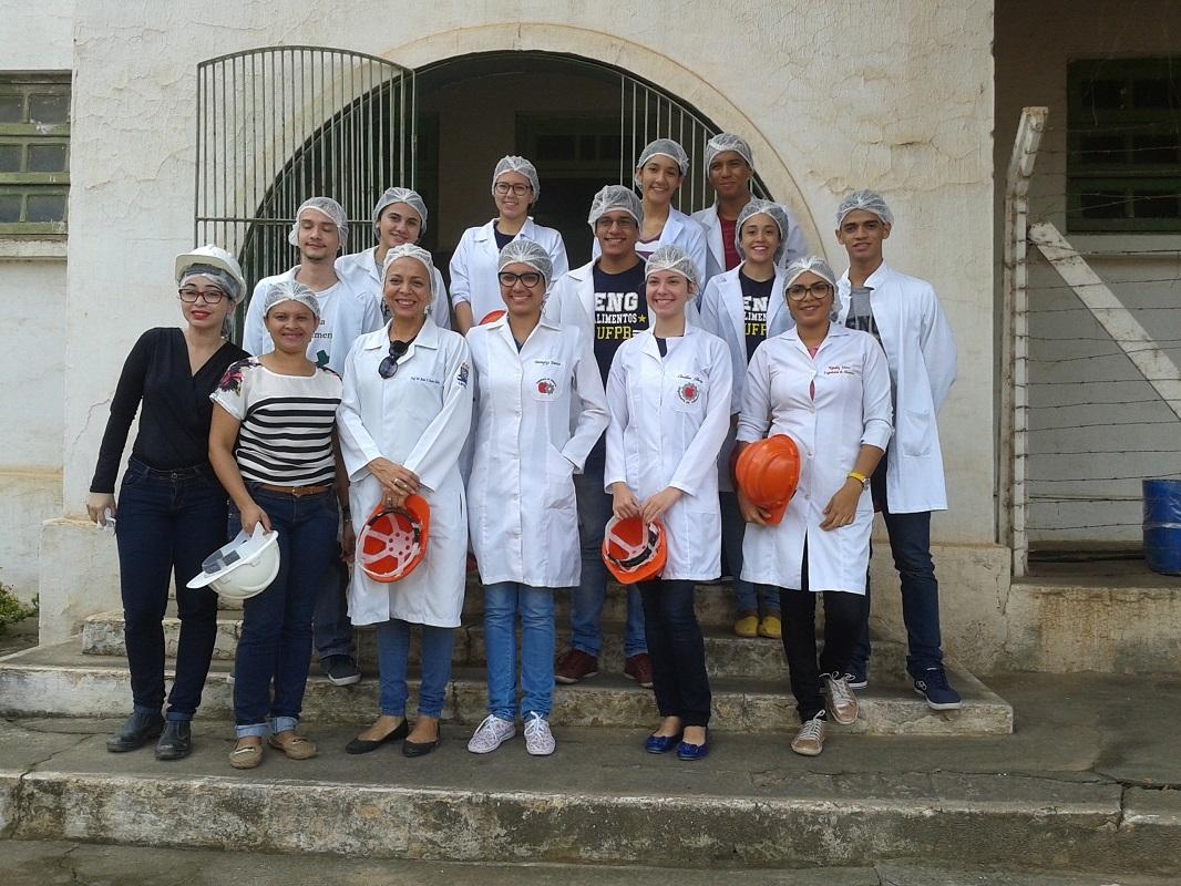 Alunos de Engenharia de alimentos da UFPB visitam o Açúcar Alegre