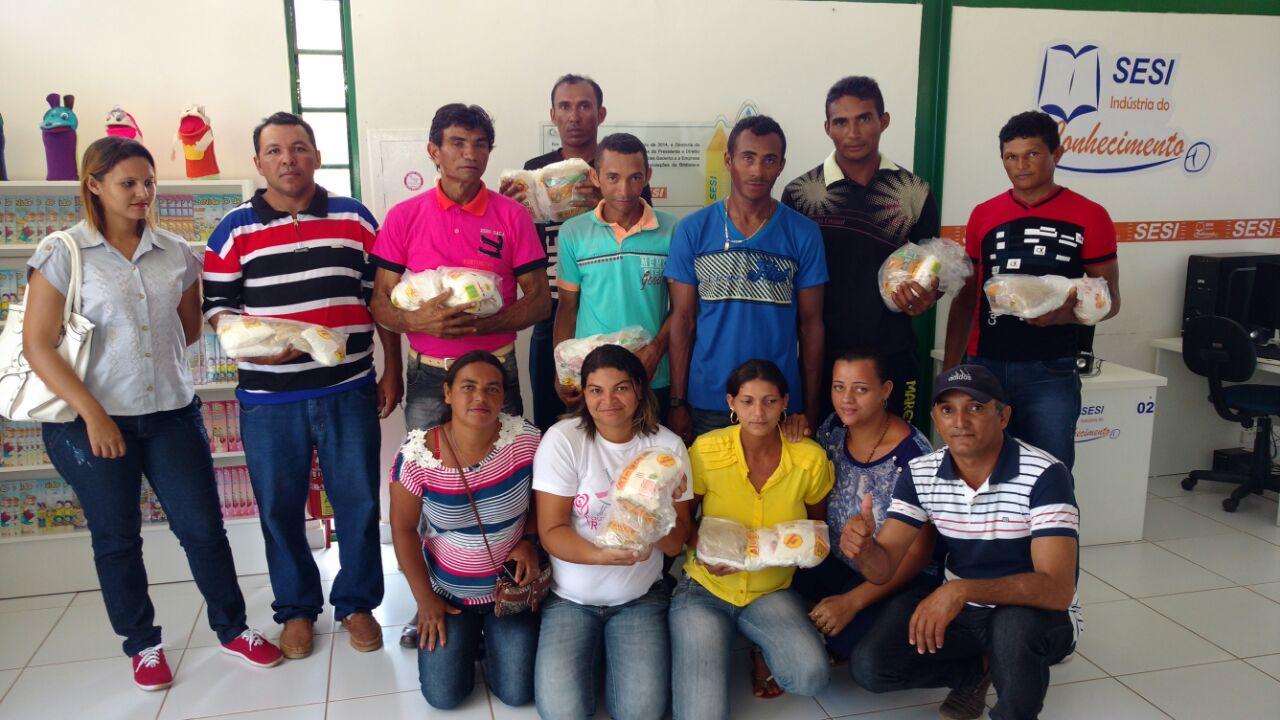 Trabalhador rural do Açúcar Alegre conhece o processo produtivo do Açúcar e Etanol