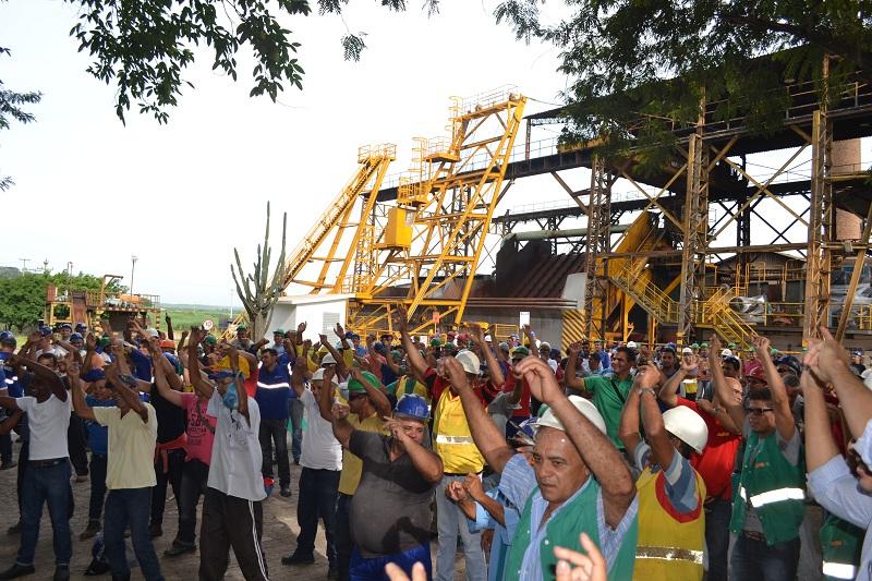 Colaboradores do Açúcar Alegre são recepcionados no retorno das férias